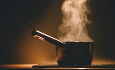 Image: Pan cooking on induction hob