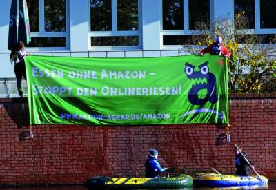 Image: Protest against Amazon Berlin