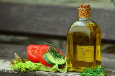 Image: organic olive oil with vegetables ethical consumer