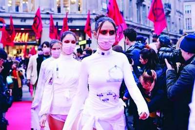 extinction-rebellion-fashion-protest-disrupt