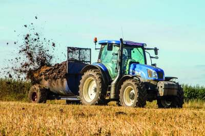 ammonia pollution impacts tractor spreading muck