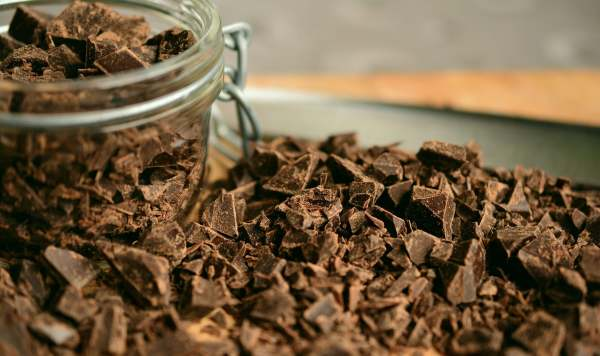 Image: chocolate in a jar and broken up into chunks